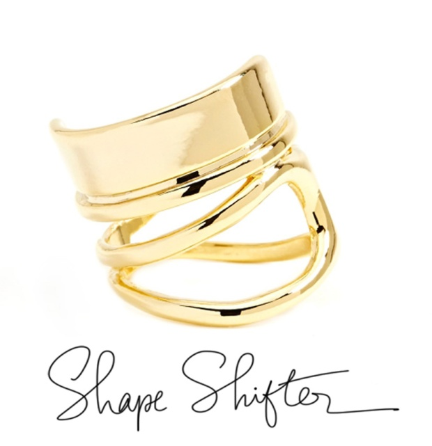 Shape-Shifter-Ring-Nastygal-script