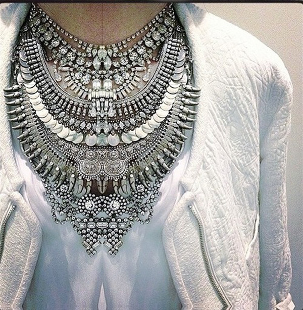 statement-necklace-white-shirt-top